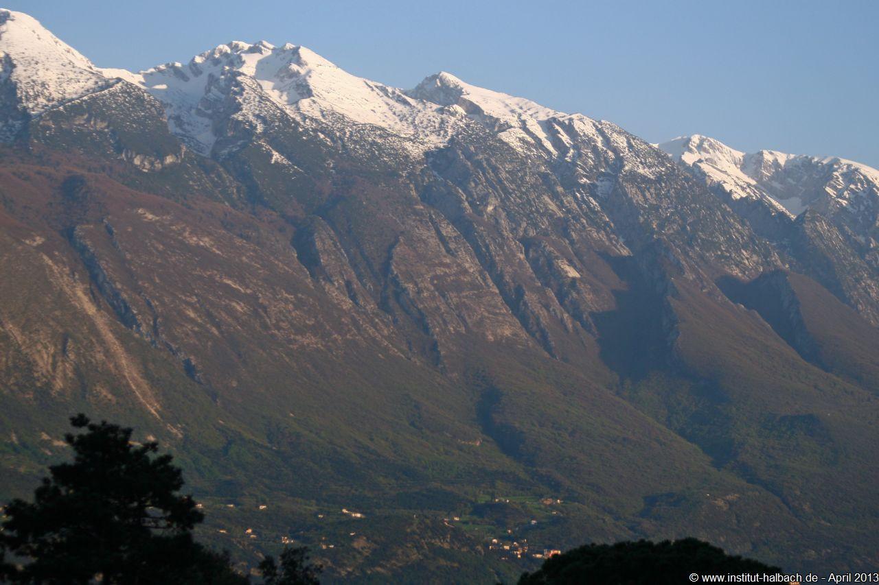 Blick vom Hotel Alla Noce auf den Monte Baldo