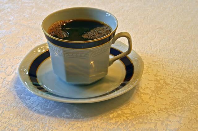 Kaffeetasse mit mächtig viel chemischem Sauerstoffverbrauch - nach wasserrechtlicher Deutung extrem schadstoffbelastet!